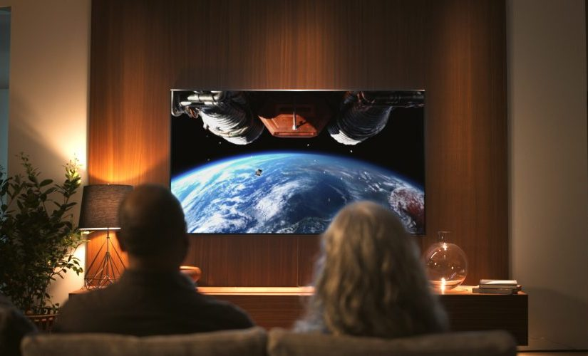 """Campania Samsung """"Making History"""" realizată pe televizorul QLED 8K comemorează 50 de ani de la misiunea Apollo 11"""